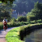 Cyclists-on-towpath-Bath--009